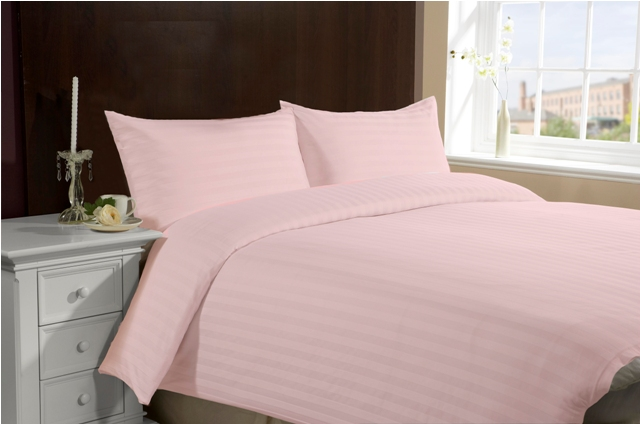 Queen/Full Size Hotel Collection 3-Piece Bedding Sets - Pink