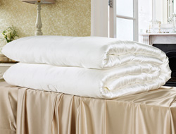 Queen/ Full 100% Mulberry Silk Comforter- Heavy