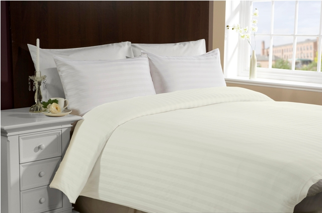 Twin Size Hotel Collection 4-Piece Duvet Cover Set- Ivory